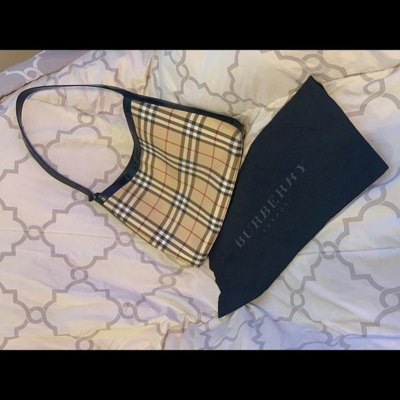 Burberry Nova Check Shoulder bag (PL5)